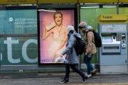 reklama na przystanku