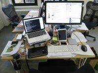 biurko, stanowisko pracy